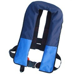Inflatable lumbar hanging life jacket